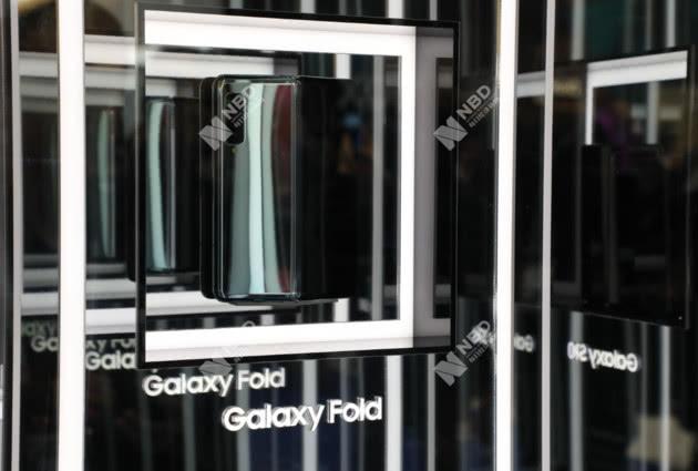 三星摺疊屏手機臨時取消中國區發布會,推遲時間待定