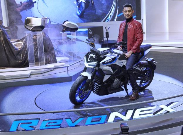 光陽米蘭車展發表極速 205 公里電動重機 RevoNEX,2021 正式推出