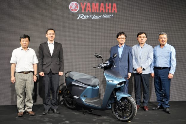 YAMAHA 與 Gogoro 合作首款電動速克達 EC-05 於 8 月上市,售價 99,800 元